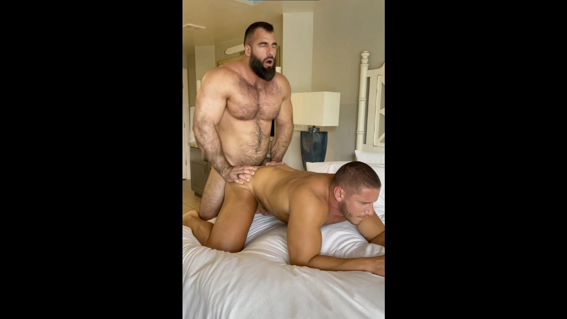 Nick Pulos (modern_spartan) fucks John Bronco (Johnbronco87) – Gay for Fans – gayforfans.com