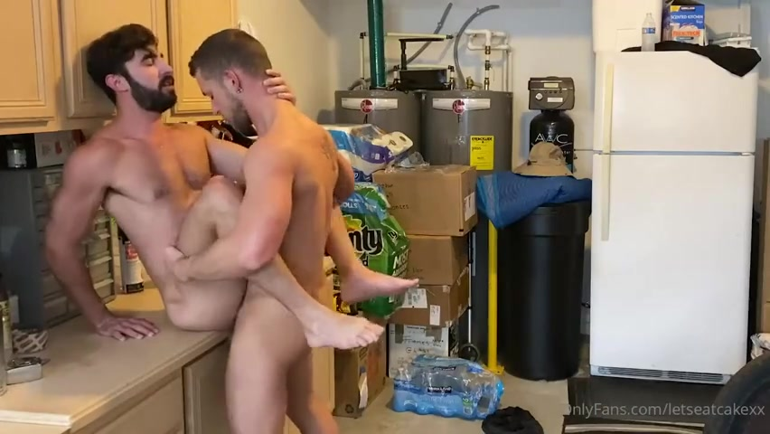 Kaden Hylls (LetsEatCakeXx) fucks Joe DeMatteo – Gay for Fans – gayforfans.com