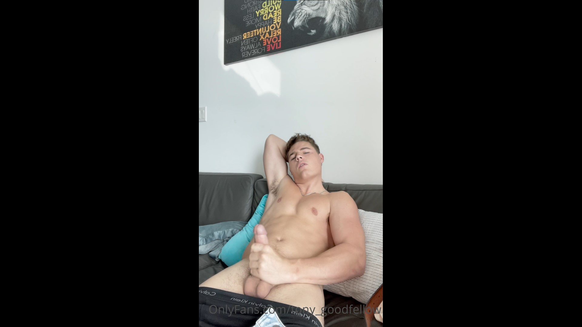 Jerking off and shooting a load over myself - Tony Goodfellow (tony_goodfellow)