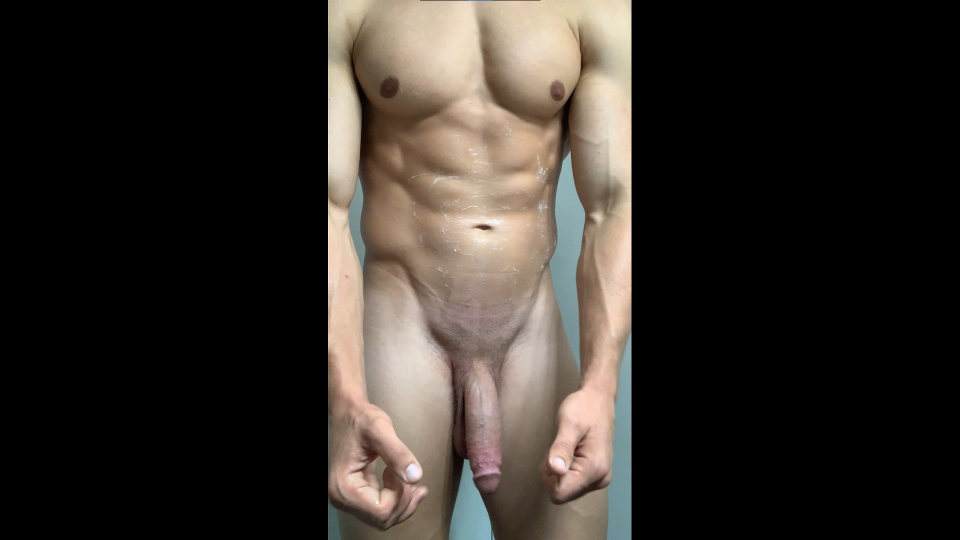 Jerking off after gym and rubbing my load over my abs - Carsten Gauslow