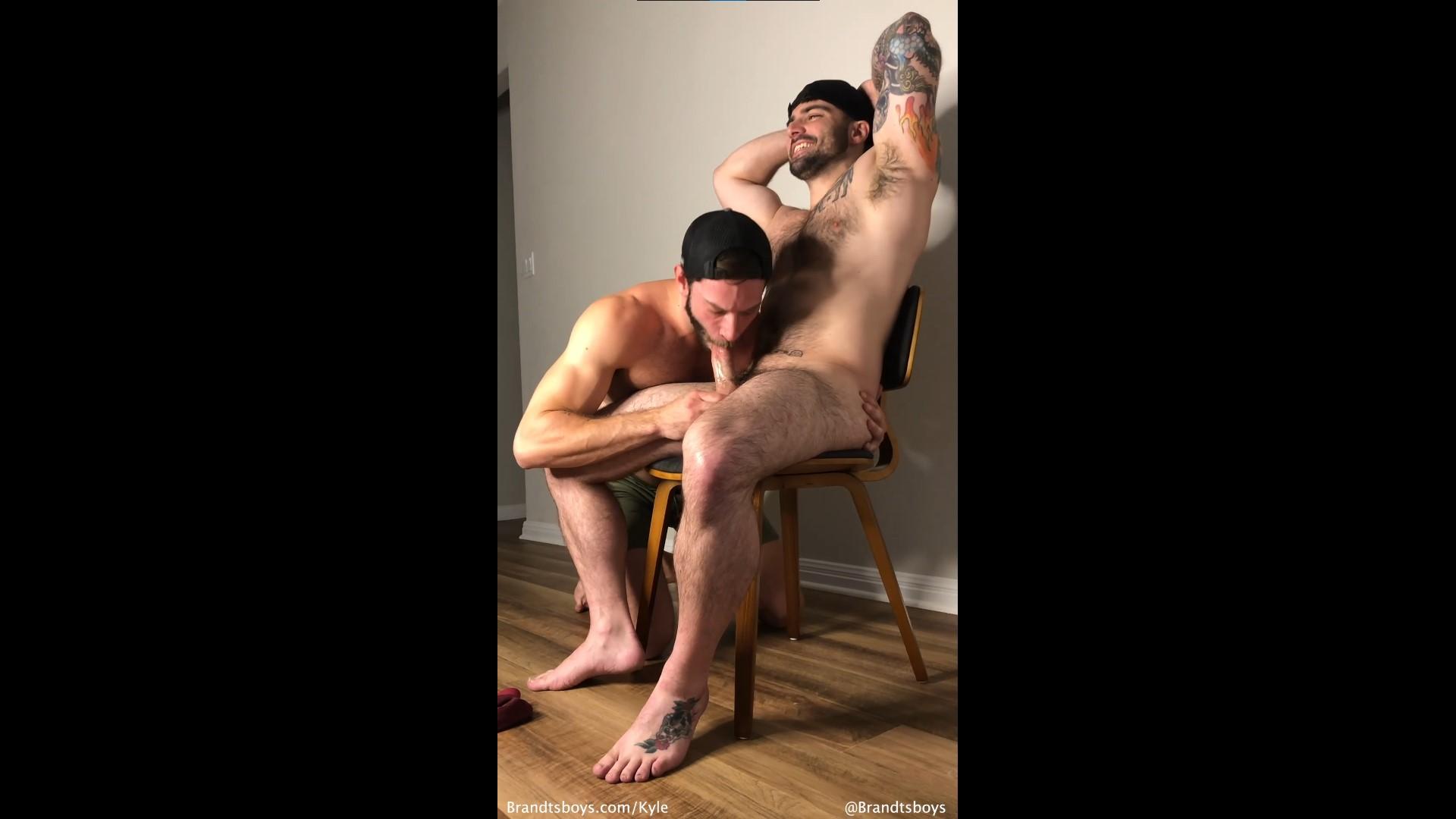 Kyle worships Jordans body and gives him a blowjob - JordanxBrandt - KylexBrandt