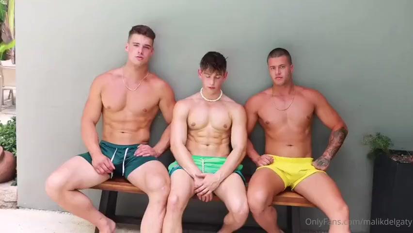 Reno jerks off with the Delgaty brothers – Reno Gold – Malik Delgaty – Clark Delgaty – Gay for Fans – gayforfans.com