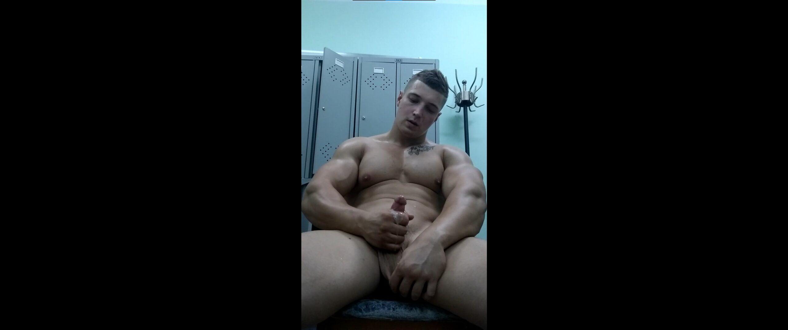 Jerking off after a workout – DenisAlpha – Gay for Fans – gayforfans.com
