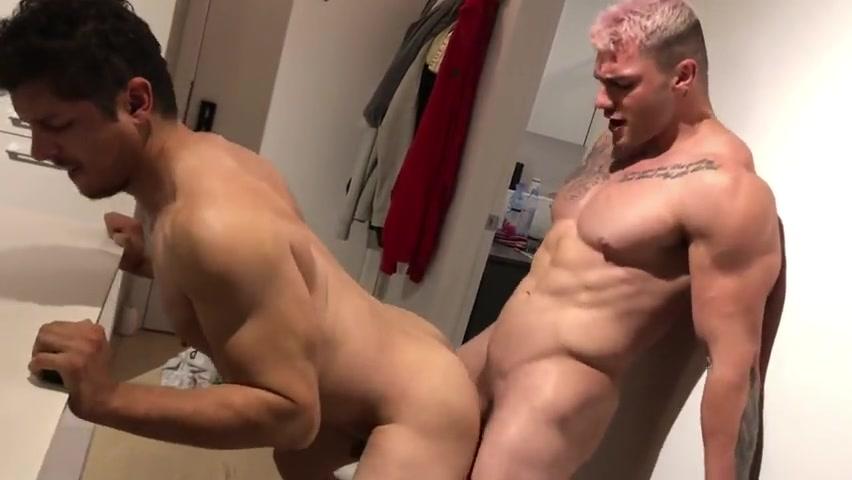 William Seed (william_seedxxx) fucks Rocky Vallarta (rockyvallarta) – Gay for Fans – gayforfans.com