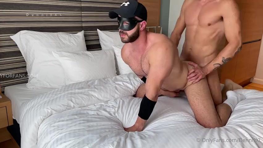 DennisXL fucks StraightBottom – Gay for Fans – gayforfans.com