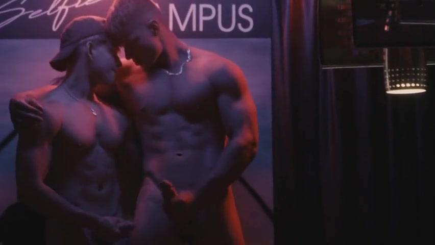 Reno Gold and Malik Delgaty fool around together till we both cum – Gay for Fans – gayforfans.com