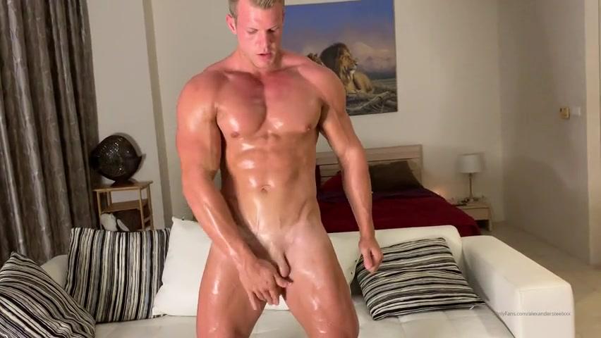 Rubbing oil over my body and jerking off till I cum – Alexander Steel (AlexanderSteelXXX) – Gay for Fans – gayforfans.com
