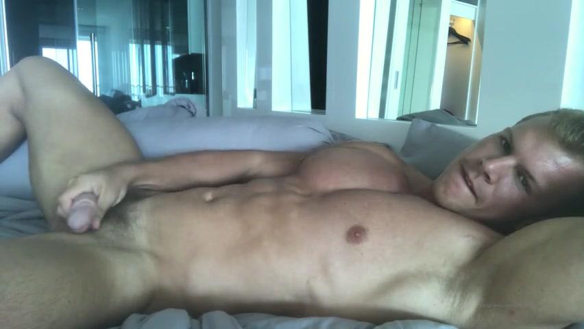 Quick morning jerk off in bed - Alexander Steel (AlexanderSteelXXX)