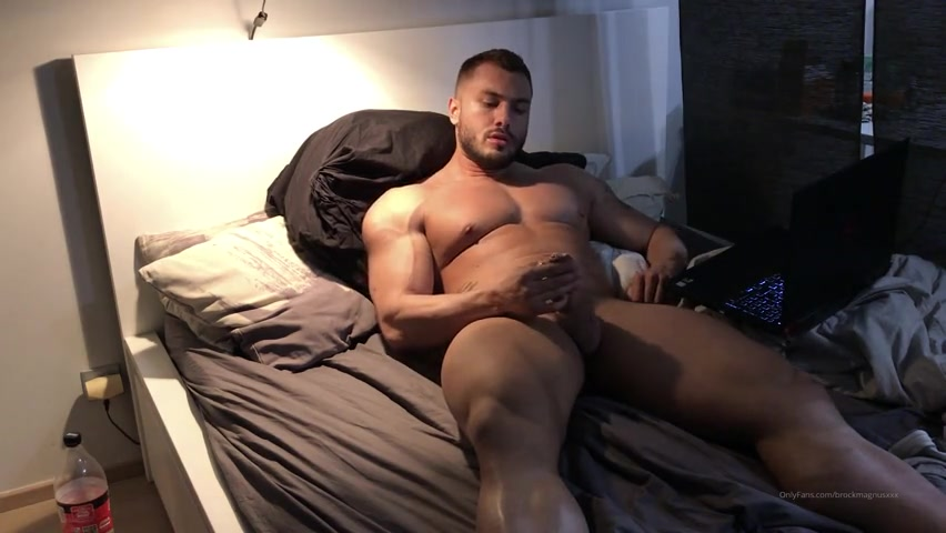 Watching porn and edging my cock till I cum - Brock Magnus (BrockMuscle)